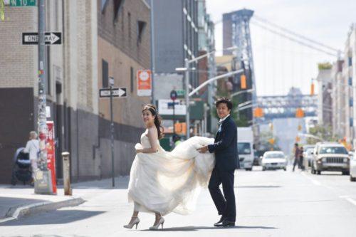 【NY】海外で結婚式の前撮り ポーズ・小物・アイテムにもこだわりを